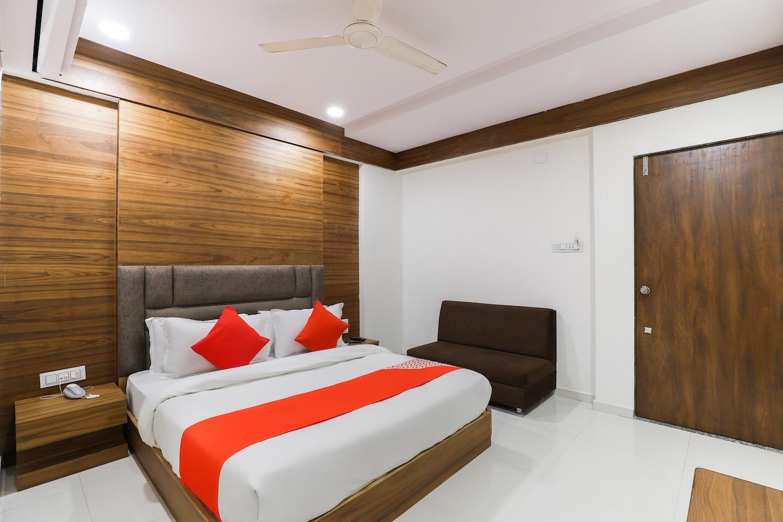 OYO 48388 Hotel Maan Palace -1