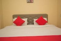 OYO 48394 Hotel Ratna Saver