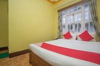 OYO 48394 Hotel Ratna