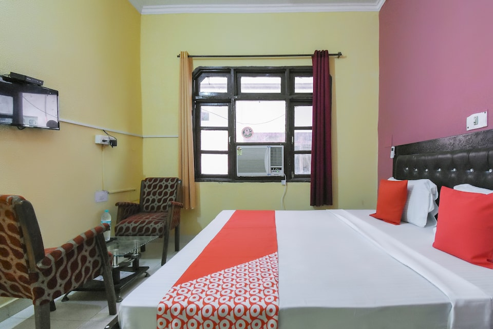OYO 48412 Hotel Sangam