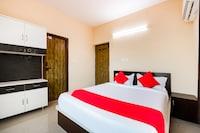OYO 48425 Lalitha Sea View Apartments