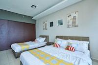 OYO Home 89316 Special Studio Setia Alam Trefoil - De Houz