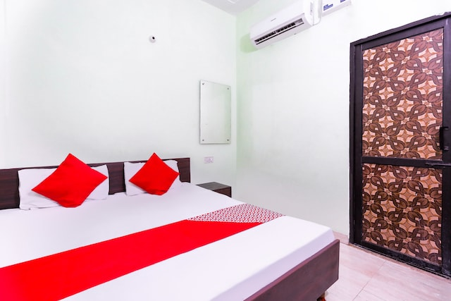 OYO 48428 Kumar Guest House