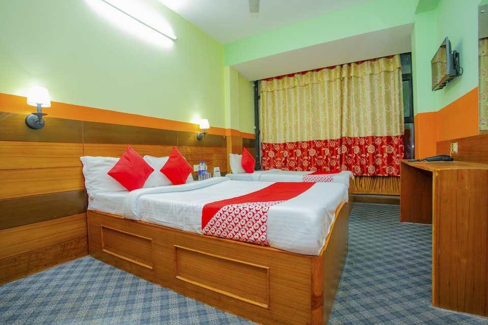 OYO 574 Hotel Residence