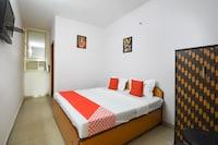 OYO 48504 Hotel Lazeez