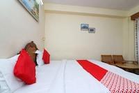OYO 48507 Hotel Gayatri Delux