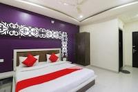 OYO 48527 Hotel Anand Lok