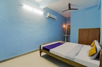 SPOT ON 48566 R.R Residency