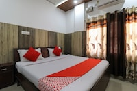 OYO 48571 Deluxe Home Stay