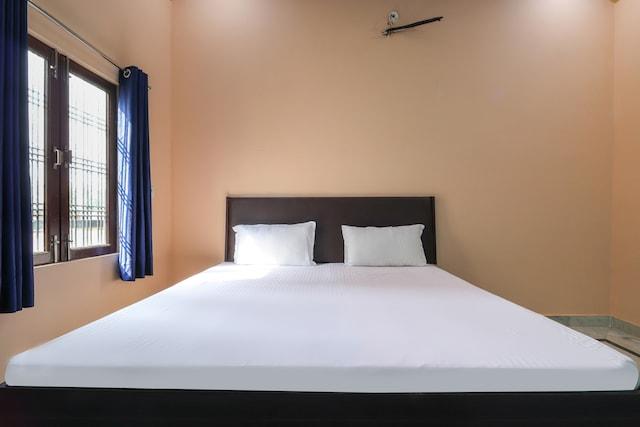 SPOT ON 48572 Hotel Lucknow Inn SPOT