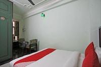OYO 48589 Hotel Green Palace