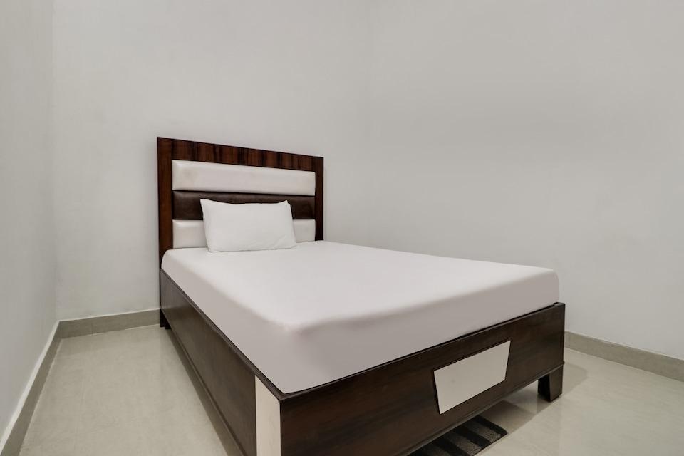 SPOT ON 48646 Hotel Gvrh