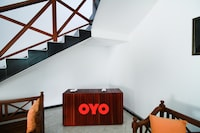 OYO 320 Hotel By The C