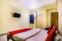 OYO 48694 Hotel Tripathy International