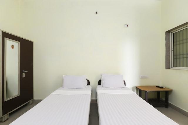 SPOT ON 48717 Shree Ashopalav Hotel SPOT