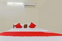 OYO 48769 Laxmi Lodge