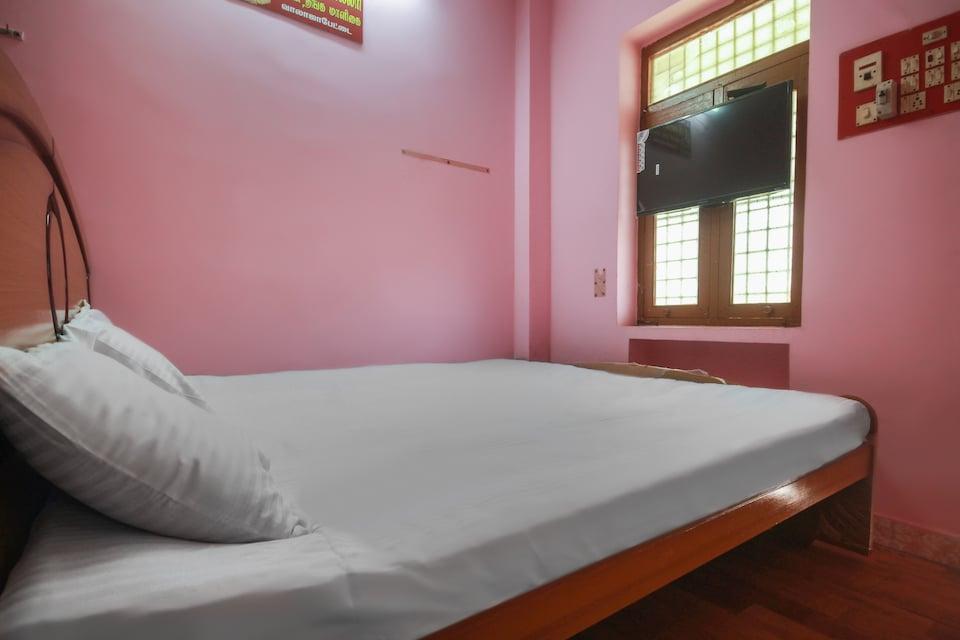 SPOT ON 48806 Sri Jain Lodge
