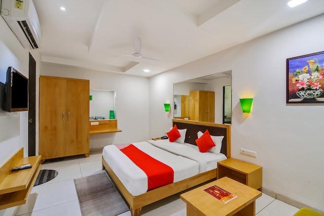 OYO 48809 Hotel Utsav Inn