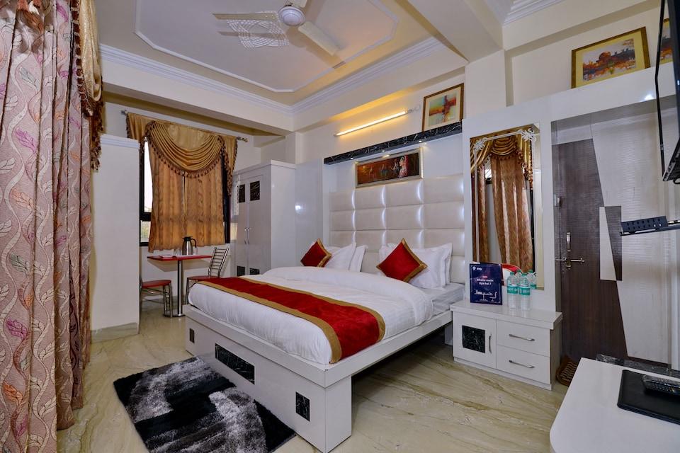OYO 4816 Hotel Ganpati Plaza