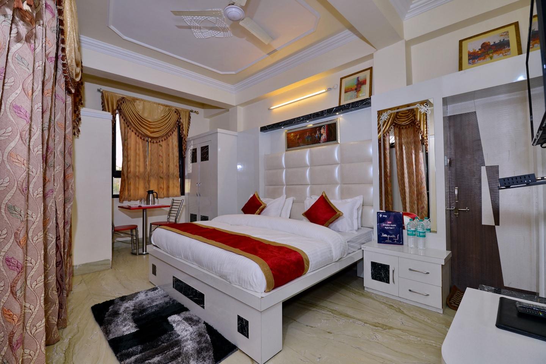 OYO 4816 Hotel Ganpati Plaza -1