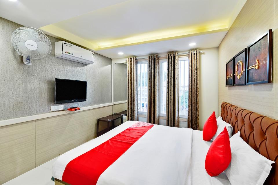 OYO 48823 Hotel Shivaay