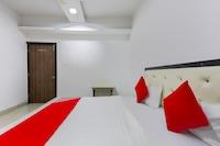 OYO 48824 Hotel Shiva Inn