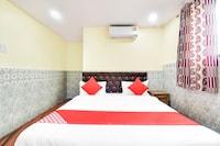 OYO 48837 Hotel Suvarna