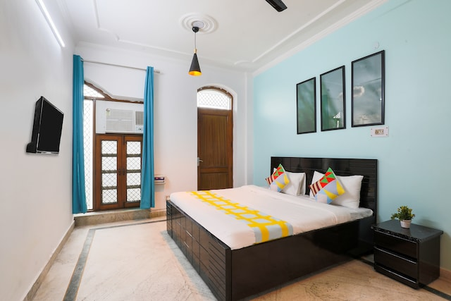 OYO Home 48841 Elegant Rooms Paschim Vihar