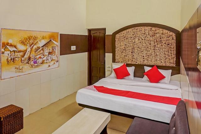 OYO 48853 Hotel Sunshine
