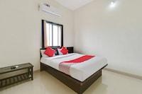 OYO 48854 Hotel Vishwajeet