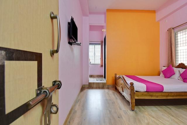 SPOT ON 48860 Anil Lodge SPOT