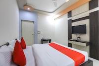 OYO 48863 Hotel Paradise