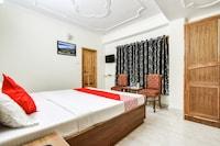 OYO 48870 Hotel Kalra Regancy