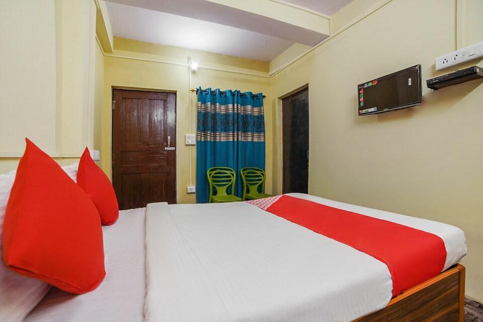 OYO 48883 S.j Hotel's