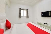 OYO 48891 Hotel Dhakad
