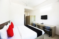 Capital O 48921 Royal Residency Deluxe