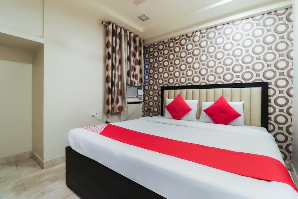 OYO 48927 Hotel Kabir