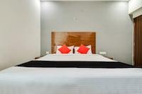 Capital O 48930 Hotel Ys