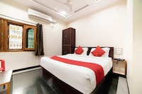 OYO 48955 Sri Mahalakshmi Residency