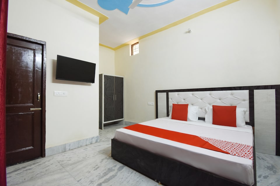 OYO 48981 Hotel HC Residency