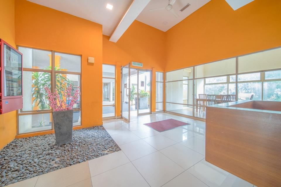 OYO Home 89347 Comfortable 1br Ritze Perdana