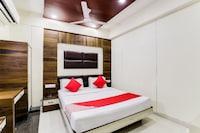 OYO 49018 Hotel New Holiday Inn 2