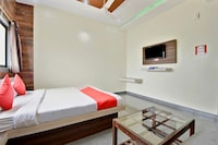 OYO 49040 Hotel The Meridien Executive Deluxe