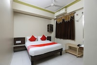 OYO 49056 Hotel Anjali Inn