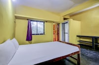SPOT ON 49060 Radhabai Guest House