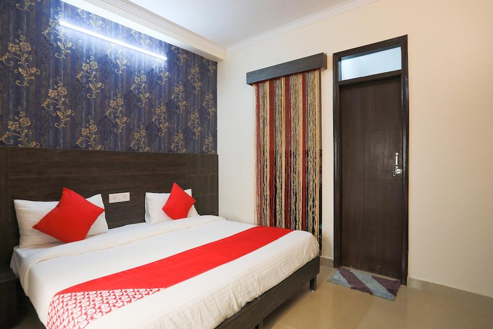 OYO 49068 Dwarka Guesthouse