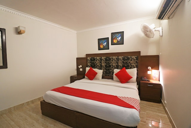 OYO 49069 A Suites