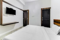 SPOT ON 49091 Hotel & Restaurant Sat Kripa SPOT