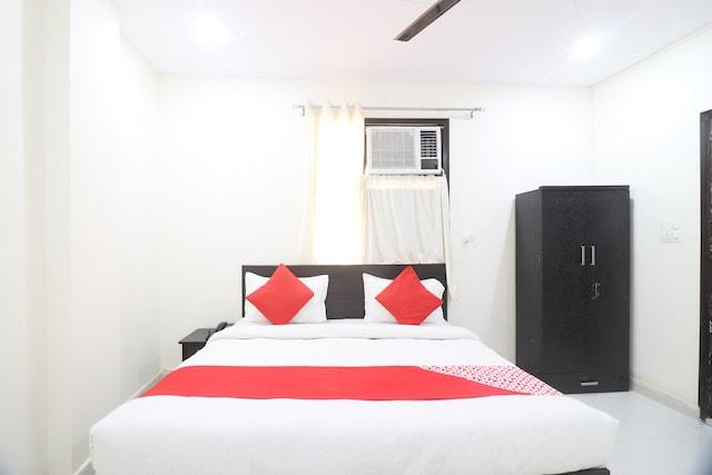 OYO 49097 Comfort Palace