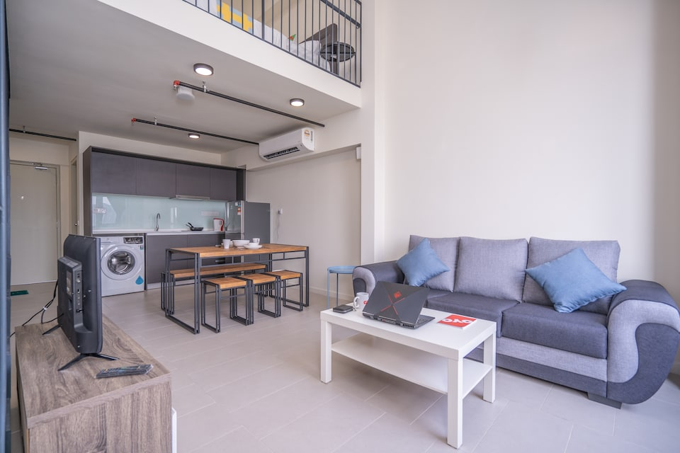 OYO Home 89351 Terrific  1br Tamarind Suites